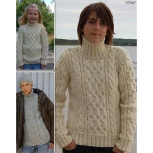 Stickmönster - Flätstickade tröjor